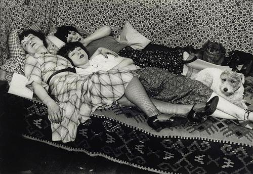 kiki-et-ses-amies-th-r-ze-treize-et-lily-1932